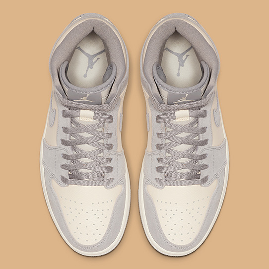 Air Jordan 1 High Wmns 'Pale Ivory'